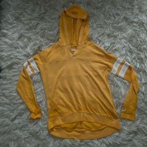 Mustard Hollister pullover